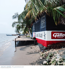 Beach in Livingston, Guatemala (Vincent Demers - vincentphoto.com) Tags: voyage trip travel tourism beach guatemala livingston centralamerica izabal spanishculture lívingston traveldestination travellocations