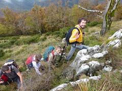 Cresta sud del monte di Limano (Emanuele Lotti) Tags: italy mountain montagne trekking italia novembre lima hiking val tuscany 23 monte toscana amici tosco montagna emiliano monti appennino gruppo pegaso 2014 camaiore escursionismo escursioni limano