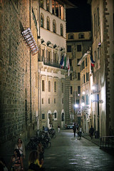 the center of the Renaissance city (Fion N.) Tags: city travel urban italy night florence europe citylife streetphotography firenze    urbanlife  streetphotographer    canoneosrebelt3i
