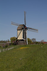 Standerdmolen Batenburg (grotevriendelijkereus) Tags: road holland building mill netherlands windmill architecture town village outdoor nederland molen dorp windmolen gelderland batenburg