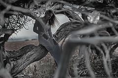 ... (Kiarmi) Tags: trip travel light summer portrait people blackandwhite bw woman black art love nature girl monochrome female canon dark underground lens fun photography photo model hands europe soft raw day photos bokeh outdoor body earth alt live dream talent mind alternative decadence genre feelings psychology simbol altphotos formate