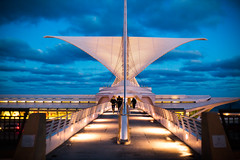 To Live is to Fly (Thomas Hawk) Tags: usa wisconsin architecture america unitedstates fav50 unitedstatesofamerica milwaukeeartmuseum milwaukee santiagocalatrava fav10 fav25 fav100