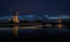 Floodlights in Kinderdijk (Bart Hardorff) Tags: 2016 barthardorff kinderdijk thenetherlands mill molen september verlicht zuidholland nederland