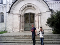 Lovers (lubovphotographer) Tags: lovers people gate photograph smartphonephotography smartphonephoto photo photography smartphone smartphot smartph picturethis suzdalkremlin suzdal  church monastery exibition excurtion young love photographylovers    flyeranano9   2016          playingwitheffects