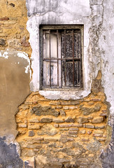 window in decay (Sigrid Klop) Tags: windows window architecture facade ventana spain decay fenster grunge frontal fachada architectuur raam architectura gevel sanlucar barrameda verval finistre