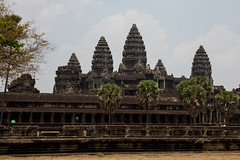 Angkor Wat's five towers (Ring a Ding Ding) Tags: canon temple asia cambodia angkorwat unescoworldheritagesite siemreap hinduism krongsiemreap