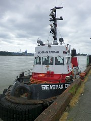 NW15e12 Seaspan Corsair, New Westminster BC (CanadaGood) Tags: red white canada black color colour river boat bc britishcolumbia tugboat fraserriver newwestminster seaspan 2015 canadagood thisdecade