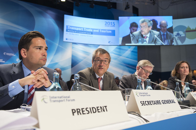 José Viegas speaking to the Open Ministerial Session