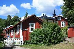 Östra Ekuddsgatan 20 (fotoeins) Tags: travel canon eos europa europe sweden kitlens sverige daytrip archipelago xsi vaxholm eos450d henrylee 450d canonefs1855mmf3556is fotoeins henrylflee fotoeinscom