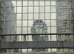 2015.04.30.20 PARIS LA DEFENSE - Reflets (alainmichot93 (Bonjour à tous et Bonne année)) Tags: france architecture tour pluie iledefrance reflets ladéfense 2015