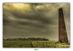 LA PYRAMIDE D'ALQUINES (rgisa) Tags: brick tower tour pyramid brique pyramide semaphore pasdecalais alquines bullescamps