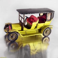 Peugeot 1907 (Emil de Jong - Kijklens) Tags: auto old car yellow french toy market flea timer geel franse automobiel