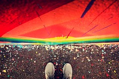 Happy Feet (M I C H A E L * N I E  E N) Tags: feet schuhe farben bunt wand farbklecks colour wall art streetart sony rx100 florida wynwood miami red rot abstract abstrakt nike roshe sneaker shoes