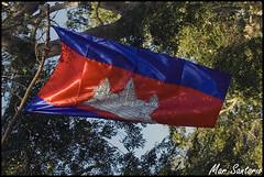 Bandera Camboyana (Mar Santorio) Tags: nikon cambodia flag bandera siemreap camboya
