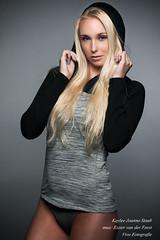 Kaylee (Richard Vivo) Tags: beauty grey hoodie blueeyes sensual blond hoodies sportive vivofotografie kayleejoannastaub esztervanderfeest muaesztervanderfeest modelkayleejoanna