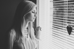 Bygone moments (Barry_Madden) Tags: model photoshoot blonde female finnishwoman finnishgirl homestudio inside julia longhair portraits portraits2016 theredsteel youngwoman window