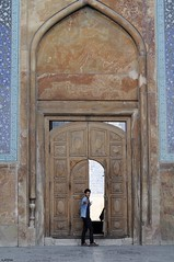 persian art (A.Atena) Tags: esfahan guy man art iran persia blue brown door imammosque meidan archite architecture nikond5000 nikon nikkor50mmf18