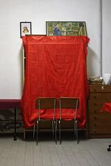 Comunismo (S. Hemiolia) Tags: novellara sacrestia sagrestia red rosso praying pray pregare devozione sacred sacro church chiesa