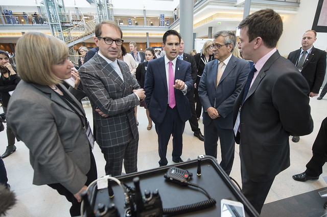 Alexander Dobrindt, Simon Bridges, and José Viegas at the exhibition