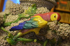 Birds On A Vase - Detail [Keszthely - 5 December 2015] (Doc. Ing.) Tags: wood bird castle ceramic hungary library parrot books bookshelf vase hu zala 2015 keszthely festeticspalace helikonlibrary
