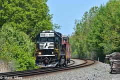 1 unit wonder with a caboose. (Machme92) Tags: railroad trees ohio summer sky nikon ns norfolk tracks rail trains row rails railfan railroads norfolksouthern railroading emd railfanning railfans nikond7200