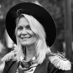 Kvinna i hatt (grafotola) Tags: portrait woman hat hatt portrtt kvinna