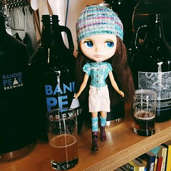 Anouk testing out the beer at @bandedpeak_brewing today 🍺  Yum! 👍