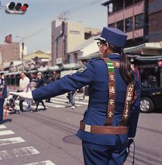 Working blues (Mark Dries) Tags: colour slr film kodak planar ektar filmphotography hasselblad500cm markguitarphoto markdries