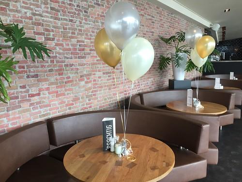 Tafeldecoratie 3ballonnen Zilver Goud Ivoor Restaurant Prachtig Rotterdam