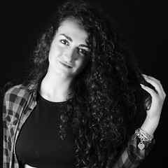 Carolina #1 (___runaway) Tags: white black girl beautiful beauty smile dark hair photography blackwhite eyes sala professional occhi curly blonde carolina martina bellezza ragazza professionalphotography bionda posa riccia salaposa ricciola