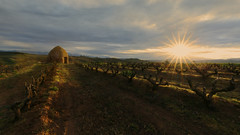 Guardavias (Rafael Dez) Tags: espaa sun sol sunrise contraluz paisaje amanecer larioja vias guardavias badaran rafaeldez