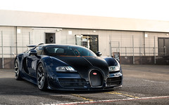 Blue & Black. (Alex Penfold) Tags: uk blue black alex sports sport 5 super silverstone autos carbon bugatti veyron vitesse supersport penfold 2016 bul bul5