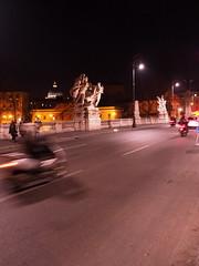 Roma_Notturno_232_1718 (Dubliner_900) Tags: rome roma nightshot streetphotography olympus sanpietro lazio notturno micro43 handshold mzuikodigital17mm118 omdem5markii