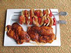 Hhnchenbrust-Paprika-Spiee und entbeinte Hhnchenschenkel (vorbereitet zum Grillen) (multipel_bleiben) Tags: essen grillen geflgel