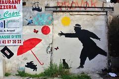 Nemo_1886 boulevard Aristide Briand Montreuil (meuh1246) Tags: streetart chat nemo papillon chapeau animaux lapin montreuil parapluie boulevardaristidebriand