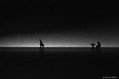 Séparation (BenoitGEETS-Photography) Tags: 1100d bn bw noiretblanc figurine faller microcosme separation separated separed séparé quitter alone seul ho 187 monochrome geets benoitgeets misterblue blackwhite