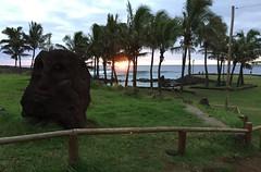 Tahai, Easter Island, Chile. (ER's Eyes) Tags: baíacook tahai ahutahai moai moais ahu ahus ahukoteriku topete pukao ahuvaiuri platforms canoeberth rampadecanoa nationalparque ceremonialcenter harepaenga rampadebarcos poente sunset atracaderodecanoas costeiro litoral 3centrosceremoniales sacrário santuário ceremonialshrines santuárioscerimoniais tepitootehenva thenaveloftheworld thekainga theland aterra rapanui paascheneyland easterisland sancarlos whyhu vaihu terraaustralis 5deabrilde1722 eastersunday hangaroabay baíaampla umbigodomundo costaoeste mana aramoai tapu ariki arikimau moaitangata moaipa´apa´a tupa matangarahu reimiro canteiro ilhadepáscoa ilhadapolinésiaoriental oceanopacífico unesco ilhagrande tepitootehenúa