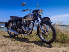 1955 490cc Norton ES2 (Digidiverdave) Tags: classic norton motorbike motorcycle menorca davidhenshaw henshephotography