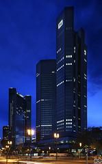 Deutsche_Bank_Frankfurt (Sascha Selli) Tags: skyscraper germany deutschland frankfurt bank hochhaus wolkenkratzer