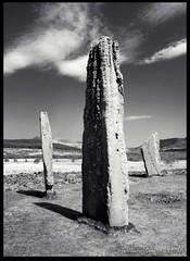 Standing-Stones-3 (zweiblumen) Tags: uk monochrome scotland ancient standingstones alba isleofarran hdr stonecircle polariser machriemoor northayrshire eileanarainn canoneos50d zweiblumen photoshopcs4