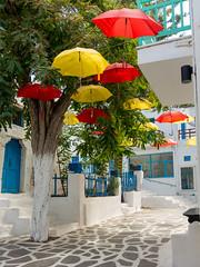 Naxos_2014-376 (Dominik Wittig) Tags: red rot yellow umbrella holidays sommer urlaub hauptstadt september greece gelb griechenland chora cyclades naxos oldmarket 2014 schirme schirm kykladen griechischeinseln naxosstadt
