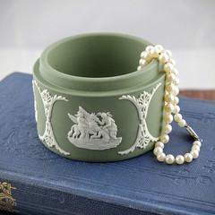 Vintage Wedgwood Trinket Box (Lo & Co Vintage) Tags: england white green vintage antique retro british etsy neoclassical wedgwood madeinengland trinket stoneware sagegreen jasperware locovintage
