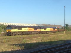 66847 & 66848, Eastleigh, July 22nd 2016 (Suburban_Jogger) Tags: 66847 66848 colasrail class66 eastleigh hampshire summer july 2016 engine train railway railroad transport vehicle
