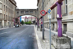 2015-07-19 06 Berlintour, City, Rohre Kunst (kaianderkiste) Tags: germany berlin lila rohre