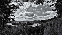 "Wasserburger Innschleife - ""Water Castle"" Inn River Loop (W_von_S) Tags: innschleife wasserburg landscape landschaft panorama paysage paesaggio inn fluss river loop city cityscape citt stadt bavaria bayern wvons werner sony alpha7rm2 august sommer summer 2016 clouds wolken sw schwarzweis blackwhite monochrome monochrom einfarbig outdoor bw skancheli"