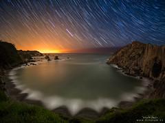 Little Big Eye (diegogm.es) Tags: test españa costa stars noche asturias olympus estrellas nocturna cudillero silencio omd startrails ojodepez circumpolar gaviero gavieru getolympus olympusuk esolympus mzuikolens livecomp olympusiberia mzuiko8mmf18 olympuseuropeolympusomdem5markii mzuiko8mmf18fisheye