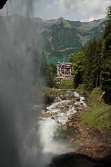 Grandhotel Giessbach ( Hotel  Baujahr 1875 ) bei den Giessbachflle ( Giessbachfall  - Wasserfall - Waterfall ) des Giessbach bei Giessbach am B.rienzersee im Berner Oberland im Kanton Bern der Schweiz (chrchr_75) Tags: chriguhurnibluemailch christoph hurni schweiz suisse switzerland svizzera suissa swiss chrchr chrchr75 chrigu chriguhurni mai 2015 hurni150531 kantonbern berner oberland berneroberland giessbachflle wasserfall waterfall giessbach bach creek wasser water eau albumwasserflleimkantonbern albumwasserfllewaterfallsderschweiz   vandfald cascade  cascada waterval wodospad vattenfall vodopd slap