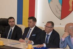 Parteneriat pentru realizarea unei fabrici de sortare i tratare a deeurilor municipale (tecuceni) Tags: de protocol gunoi tecuci groapa ecologizare semnare
