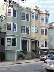 Green and Yellow in San Francisco (8:40am) Tags: sanfrancisco green yellow victorianhouses victorianhouse