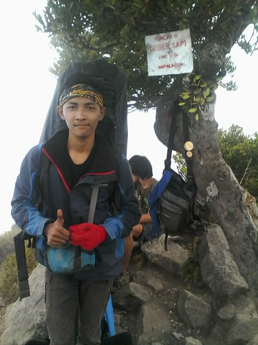 "Pengembaraan Sakuntala ank 26 Merbabu & Merapi 2014 • <a style=""font-size:0.8em;"" href=""http://www.flickr.com/photos/24767572@N00/27163094275/"" target=""_blank"">View on Flickr</a>"
